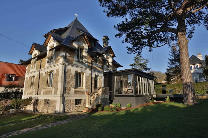 HOUSE WITH A SEA VIEW AND A POOL - DEAUVILLE - TROUVILLE CITY CENTER
