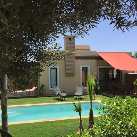 Charmante Villa avec piscine privée - 2 chambres