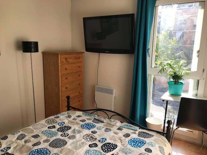 chambre privée dans un appartement à Aiguelongue