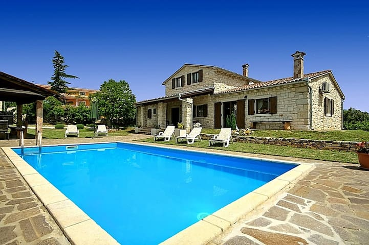 Villa Danijeli 1 with swimming pool - Tinjan - House