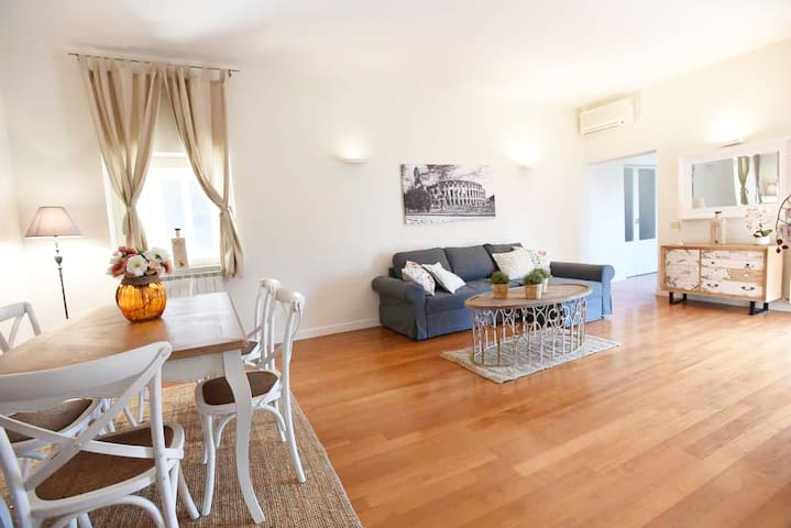 Romantic flat near Metro Flaminio-Popolo Square