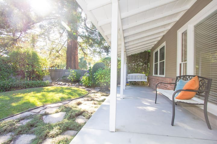 Garden view room in beautiful home - Menlo Park - Talo