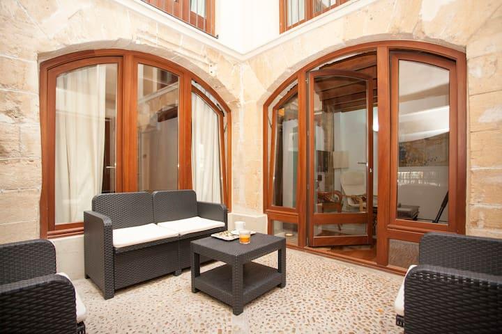 La lonja, apartamento con patio