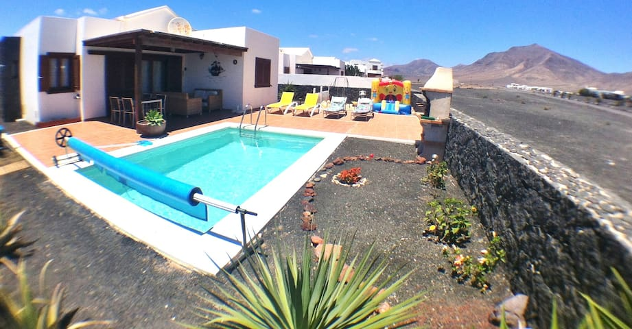 villa de lujo wifi  piscina privada