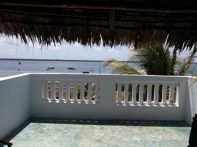Seafront Guesthouse, Somoye Room - Lamu