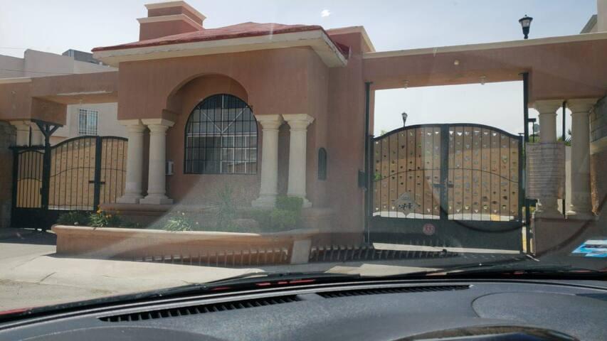 Habitación cama individual 3 minutos del consulado