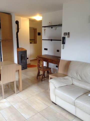 Casa in AltaValtellina a pochi km Bormio e Livigno - Valdidentro - Apartamento