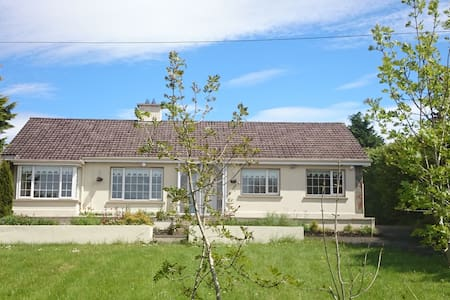 Room/Entire House North Cork - Newmarket - Bungalov