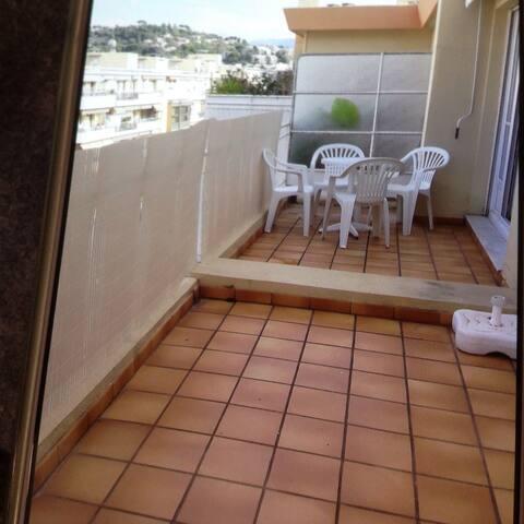 Agréable deux-pièces dernier etage grande terrasse - Nicea - Apartament