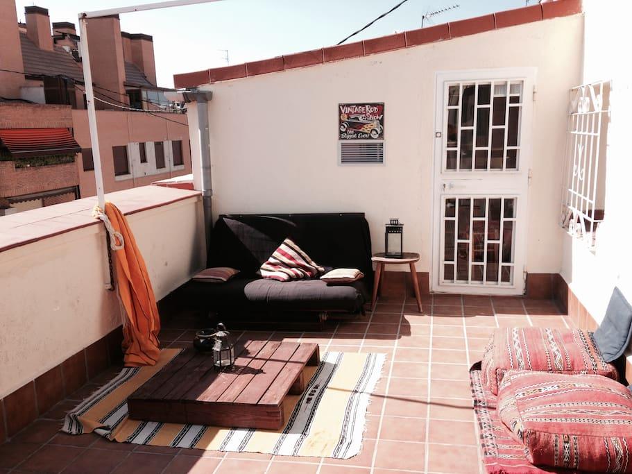 Futon para disfrutar del clima de Madrid en la terraza