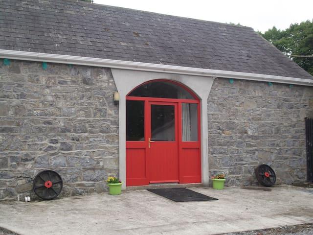 Cosy Red Door One Bedroomed Apartment