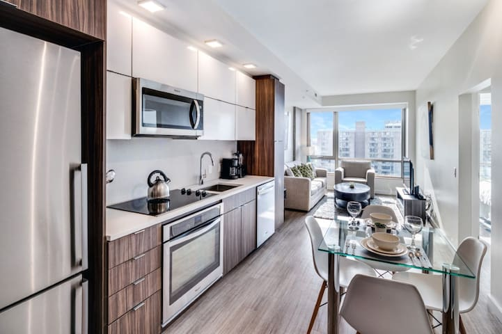 Sleek 2BR | Minutes to Nats Park + Metro | by GLS