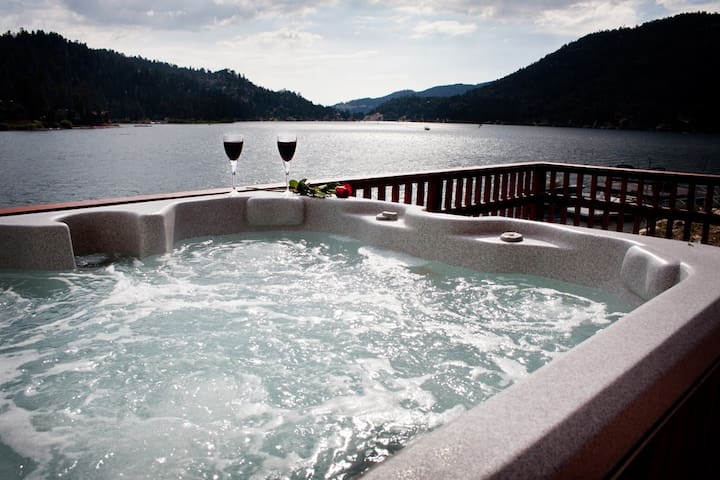 SCENIC LAKEFRONT - HOT TUB - DOCK - Lac Big Bear - Maison
