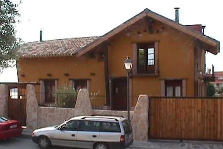 Habitación  Campo Real - Haus