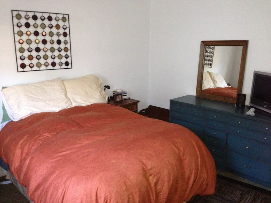 The Bedroom dressed in orange!