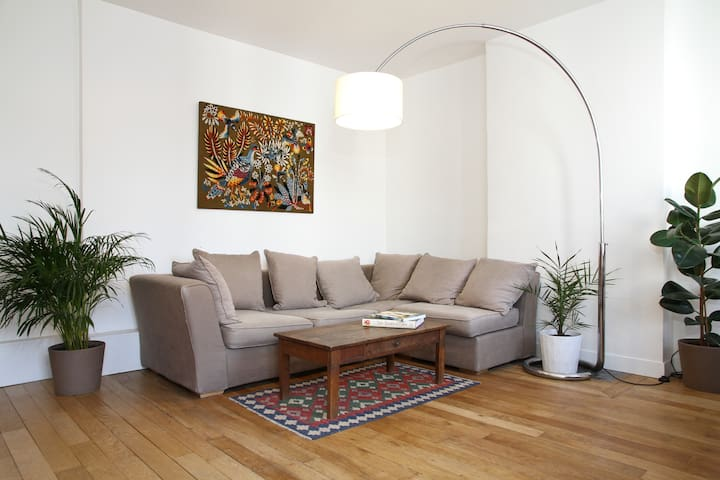 Spacious and bright 1 bedroom flat - París - Departamento
