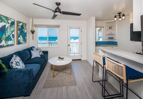 🐬  Take In Stunning Ocean Views from Pacific Villas Unit Four 🐬