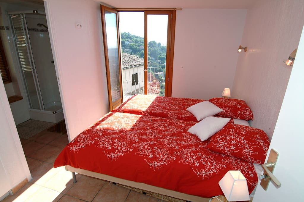 b b proche de la c te d 39 azur nice chambres d 39 h tes louer saint jeannet provence alpes. Black Bedroom Furniture Sets. Home Design Ideas