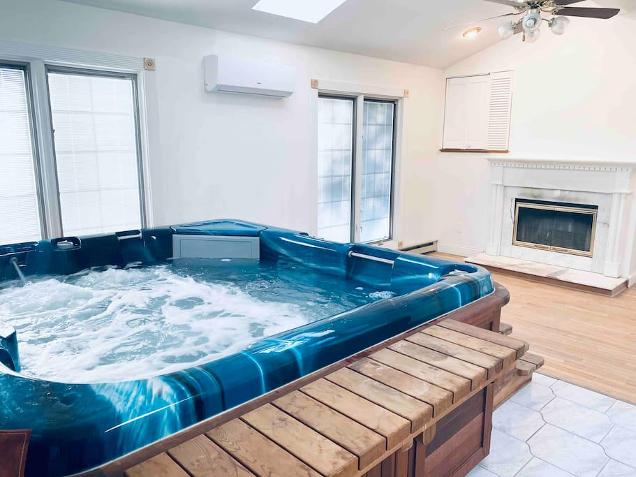 Luxury Lake House With Indoor Hot Tub Cottages For Rent In Newton New Jersey United States