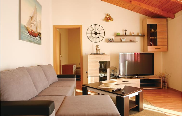 Holiday apartment with 3 bedrooms on 81 m² in Kastel Stari