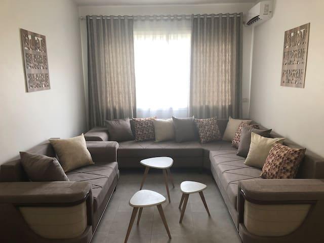 Bel appartement neuf familial en bord de mer