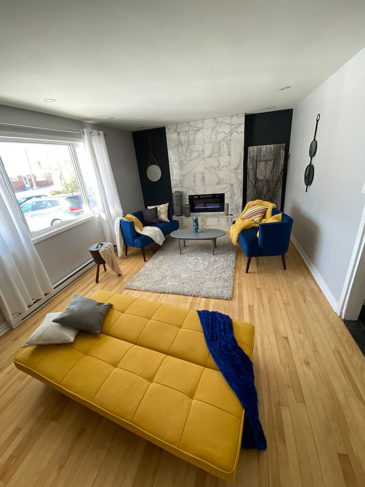 Your Moncton getaway with a great location!