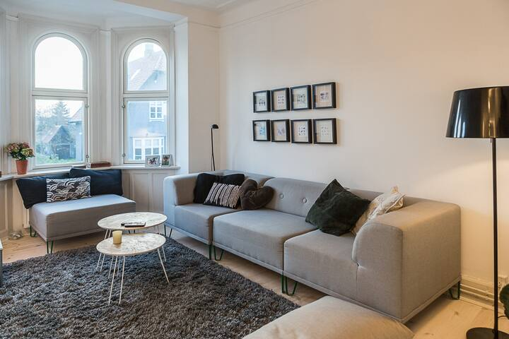 Super charming apartment north from Copenhagen - Charlottenlund - Leilighet