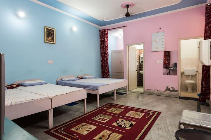 BalaJi guest house (A true Home away Home)