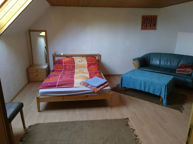 Spacious, comfortable room, close to Ramstein