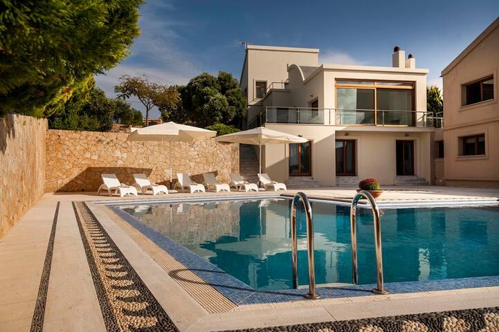 Luxury Villa Angel Close to the Sea & Near Chania. - Kampani - Villa