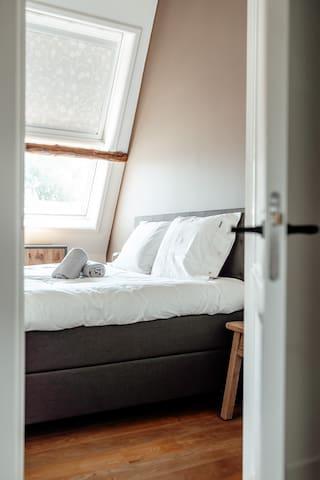 1ste 2 persoons slaapkamer