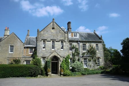 Brookhill House Bed and Breakfast - Cowfold