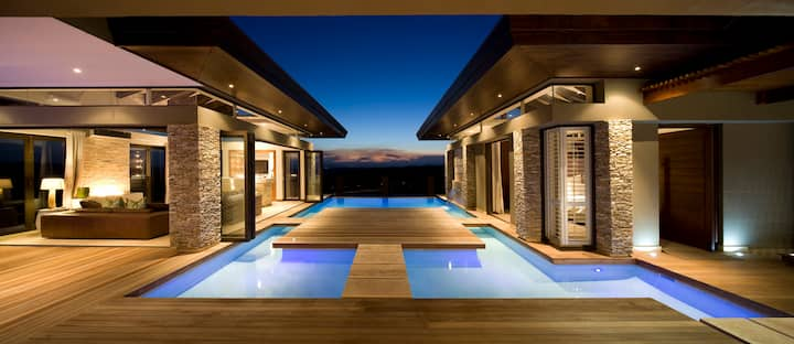 Panoramic Ultra Luxury Dream Villa in Zimbali