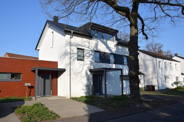 3-Zimmer Wohnung mit idealer Anbindung an Köln