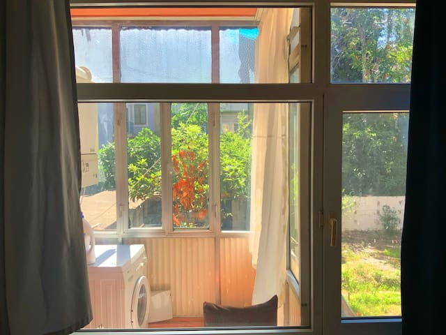 Large Sunny room in very center of Kadıköy