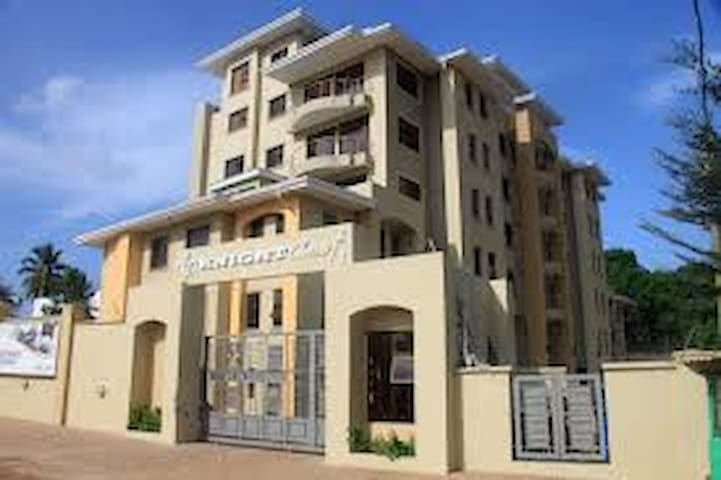 Knight Court Penthouse, Cantonments