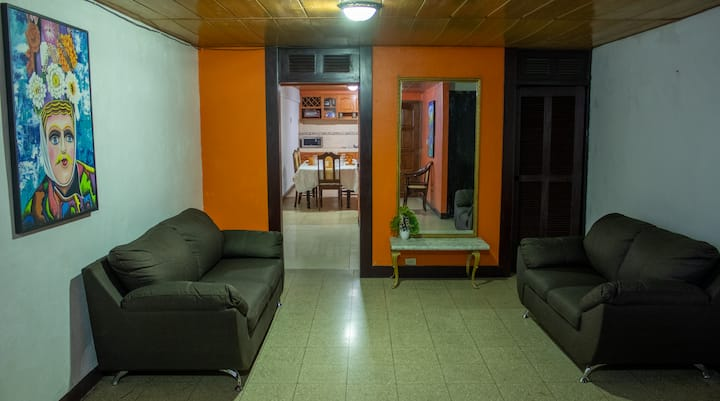 Central House w/Wi-Fi + Kitchen & King Bed ★
