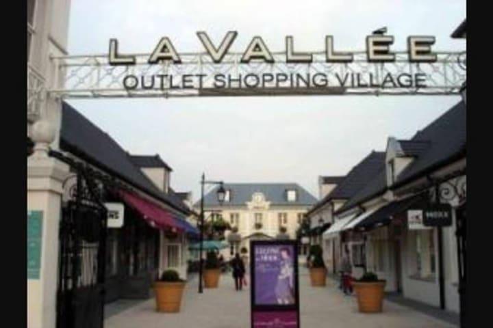 Vallée Village