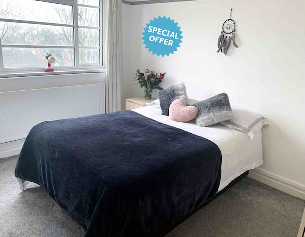 ✨ Cosy Room Near Broadstreet & The City Centre