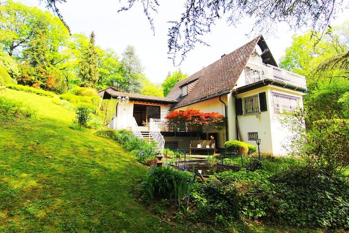 Ferienhaus Villa EMG Frankfurt f. Familien Gruppen