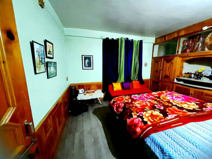 Cosy room in Hampta (Sethan) Valley at 8500 feet.