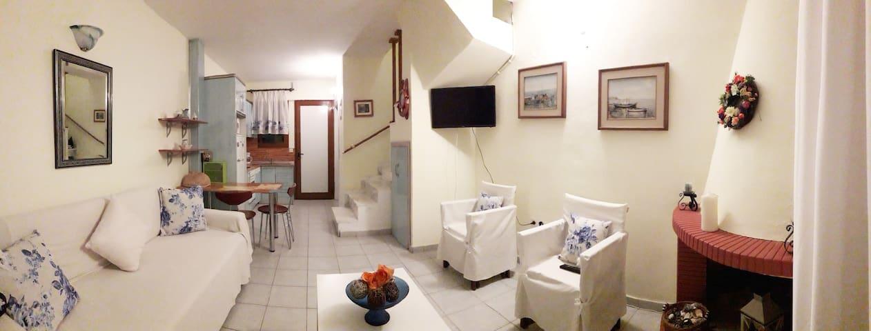 Σαλόνι- Κουζίνα- Living room - Kitchen
