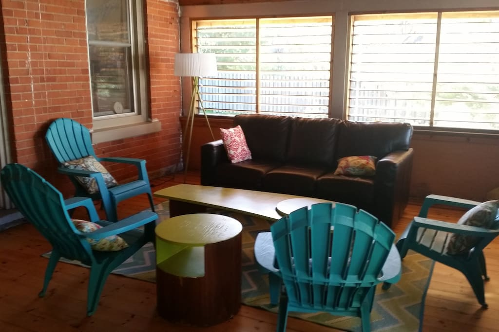 Covered porch, great for coffee, games, reading, relaxing, evening drinks etc.