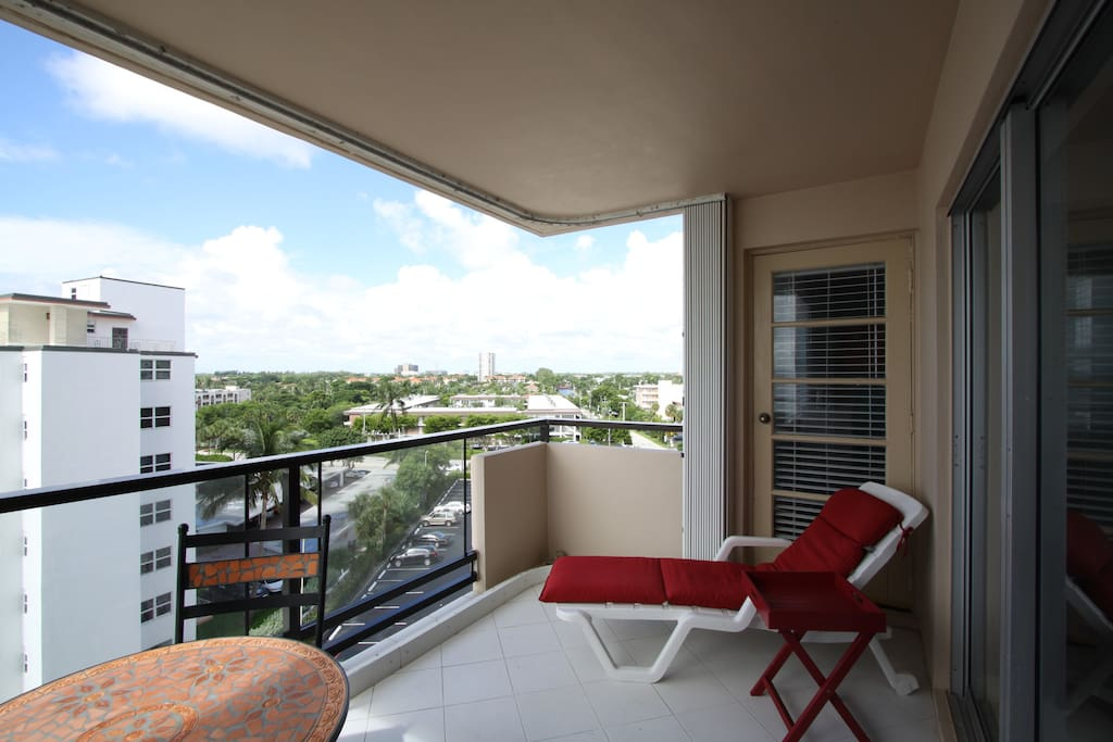 Charming 2 Bedroom Condo On Beach Apartments For Rent In Pompano Beach Florida United States