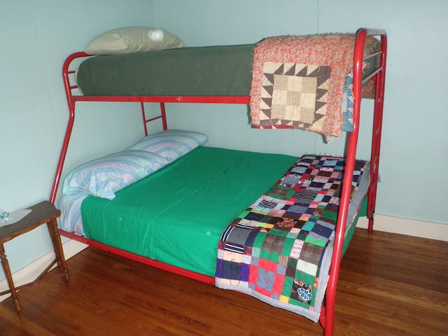 Bunk bed room sleeps two on the bottom and one on top