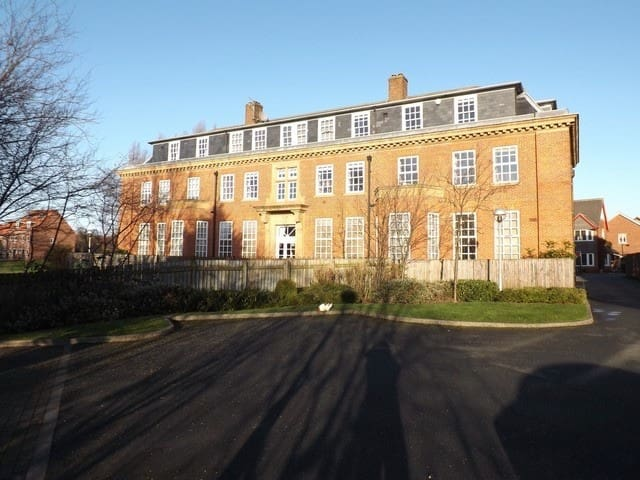Stylish and Bright 3-Bedroom Flat in York