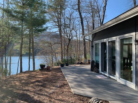 Wolf Lake Escape - lake & mountain retreat