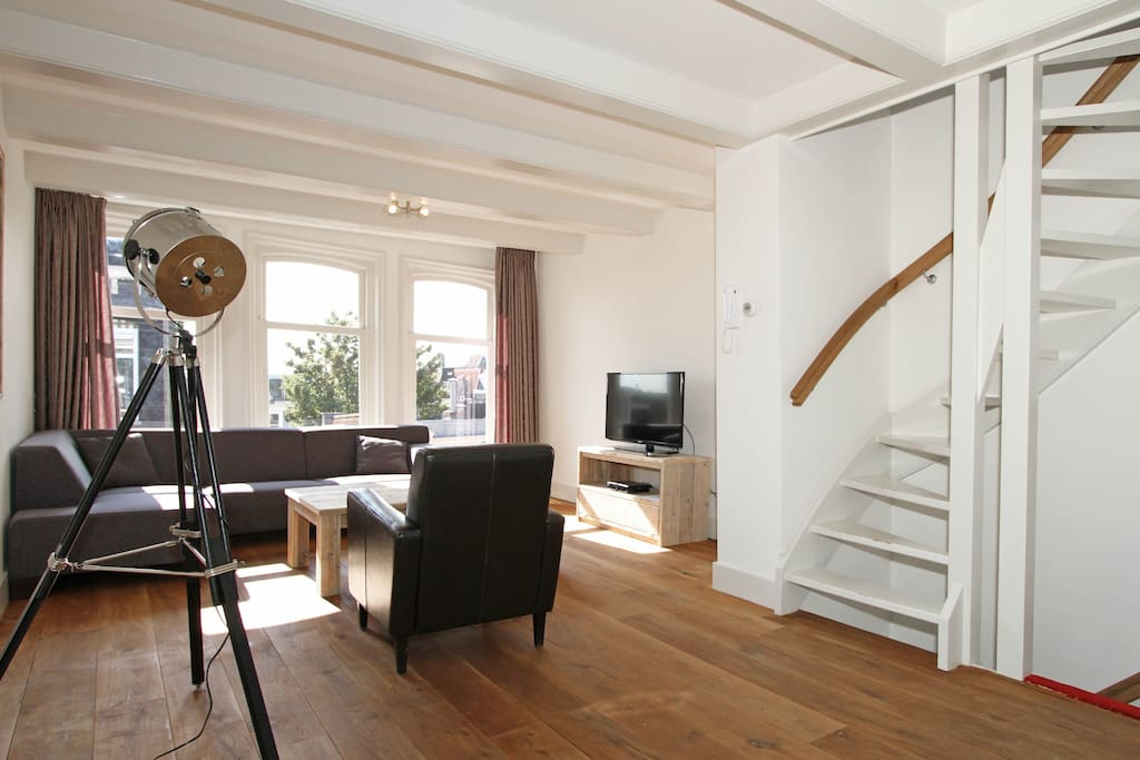 130m2 3 bedroom 2 bathroom jordaan apartment h3 for Low cost apartments amsterdam