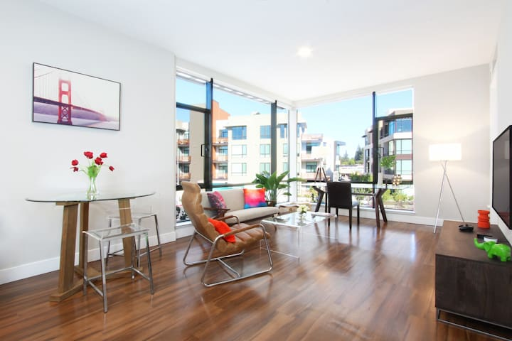 Gorgeous! Luxurious & Brand New 1BR in Downtown MV