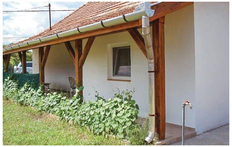 Holiday cottage with 2 bedrooms on 70 m² in Poroszló